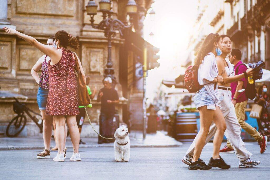BACKPACKERS VS TOURISTS: IS THERE A DIFFERENCE?