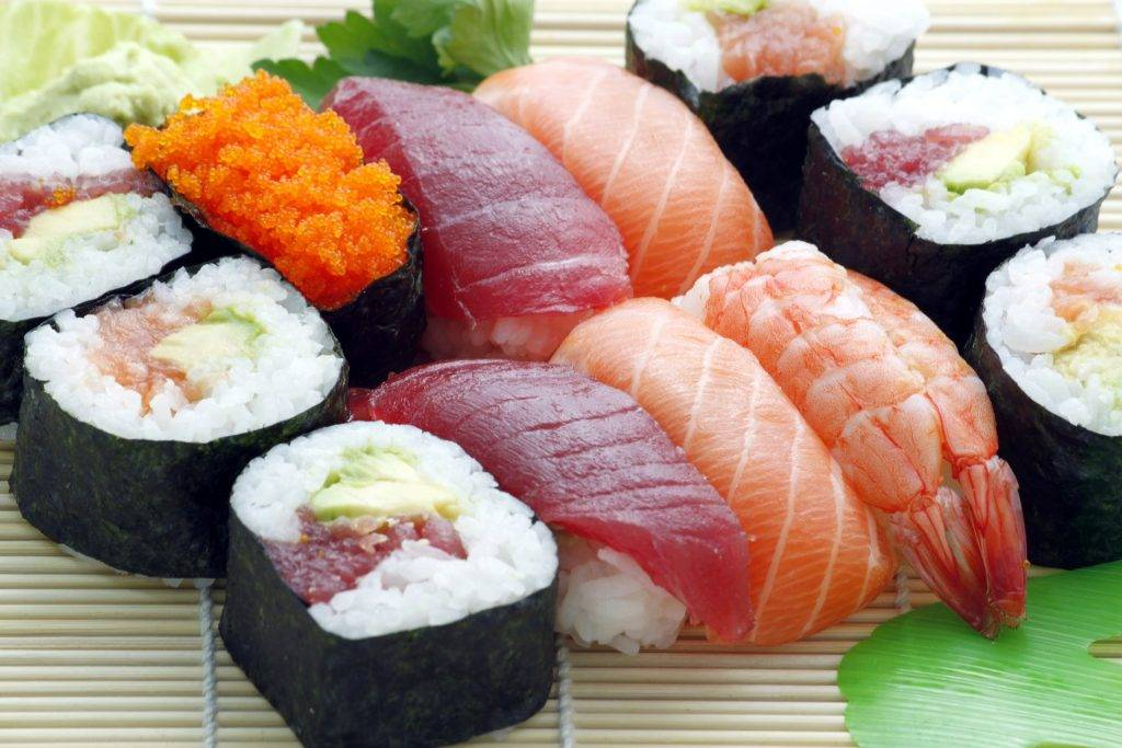 sushi 354628 1920 THINGS I MISS ABOUT AMERICA When Abroad in pandemic situation