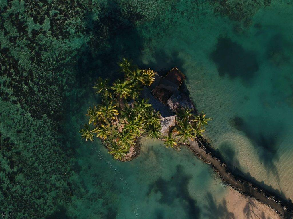 TRAPPED IN PARADISE : PLANNING A TRIP TO FIJI TRAVEL in 2021